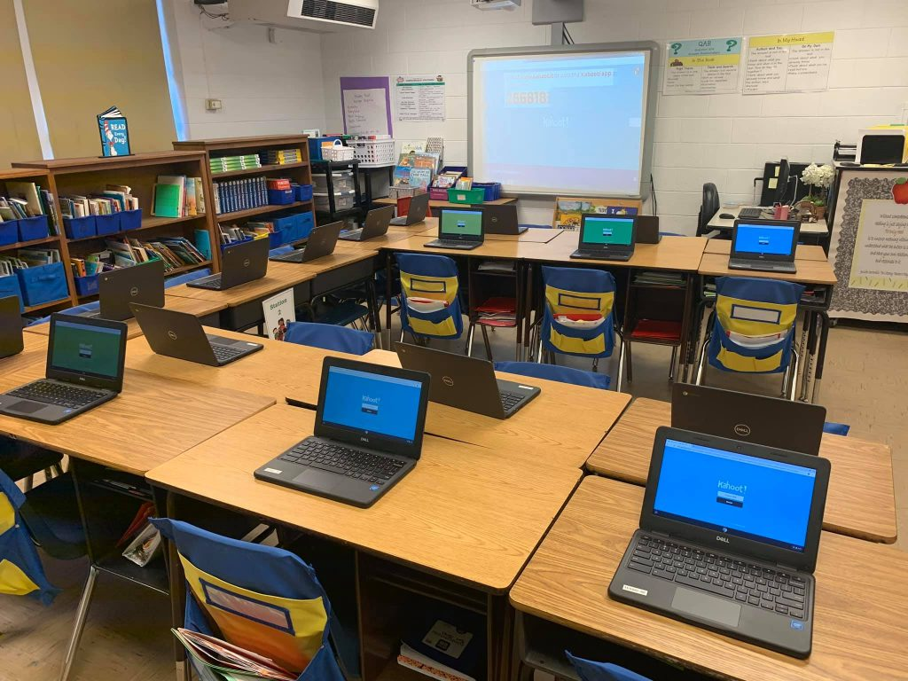 Picture of classroom set up with Chromebooks.